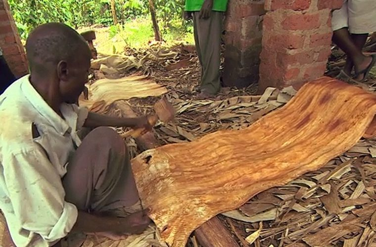 تولید پارچه از پوست درختان