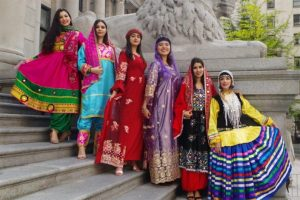 لباس سنتی1