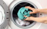 پاک کردن لکه کهنه از لباس